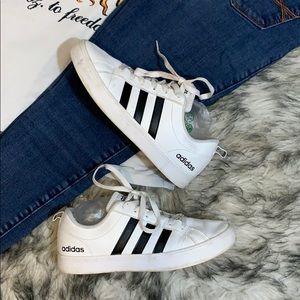 Adidas Women's Classic Sneakers